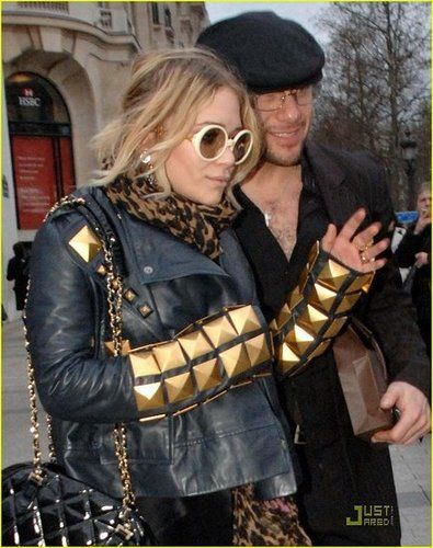 Mary-kate-olsen-studded-sleeves-02