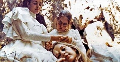 Picnic hanging rock
