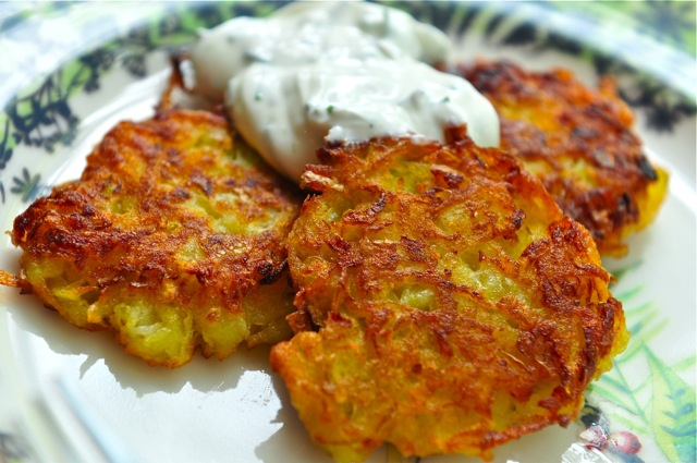 POTATO PANCAKES WITH SOUR CREAM AND CHIVES | Atlantis Home